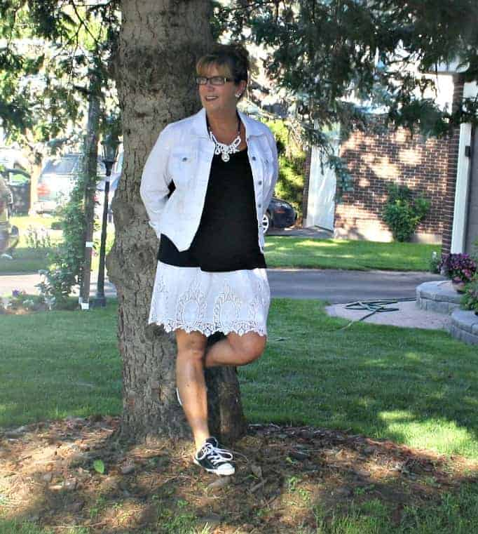 Joe Fresh Lace skirt, Old Navy White Denim Jacket and black converse