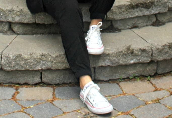 white converse with zippers