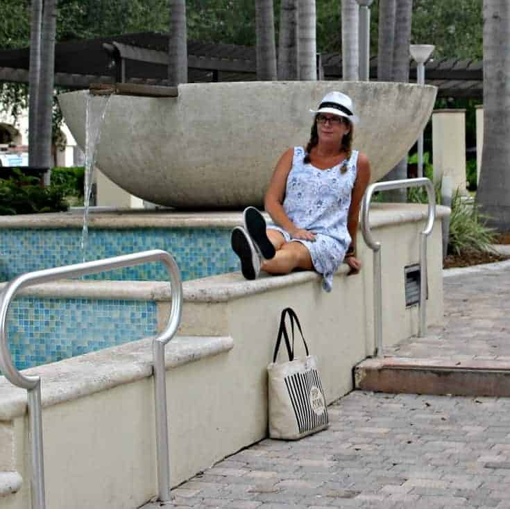 Midtown Miami Old Navy Linen Sheath Dress, Fedora and Converse with Kate Spade Bag and a Jord Watch
