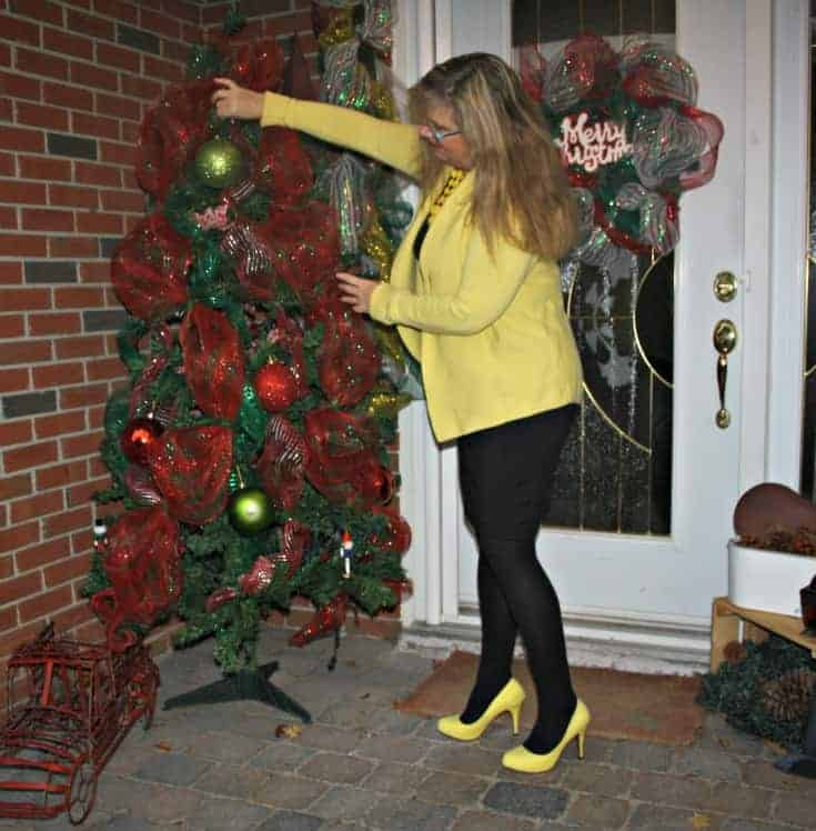 decorating in a Vanheusen Yellow Cardigan with a LBD and matching Signature pumps from Shoe Dazzle