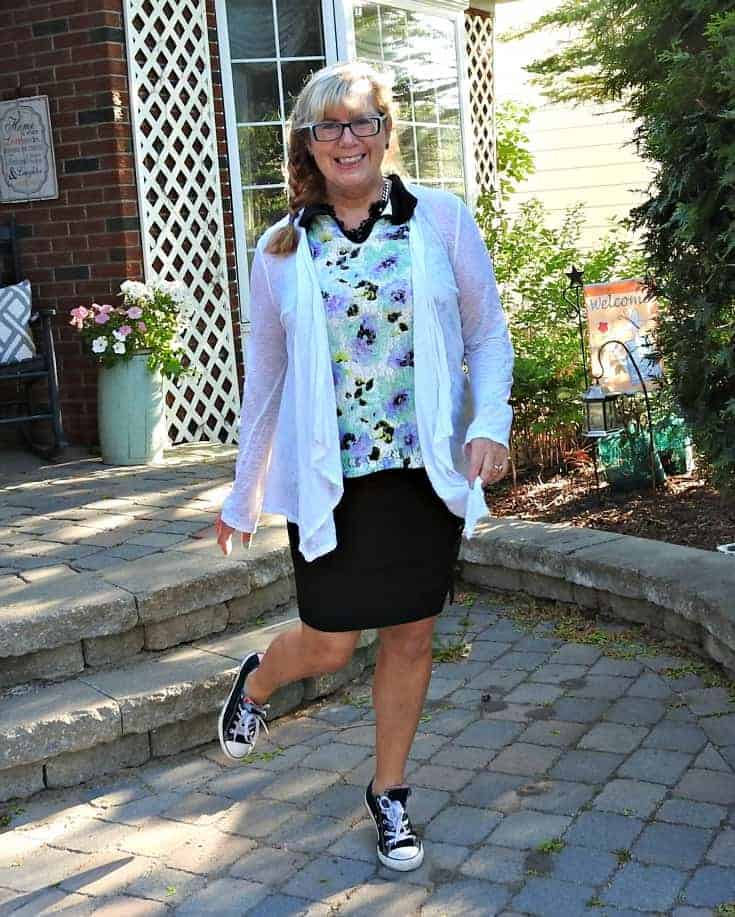 Styling my floral Ricki's Top with my custom Rita & Phill skirt and black converse
