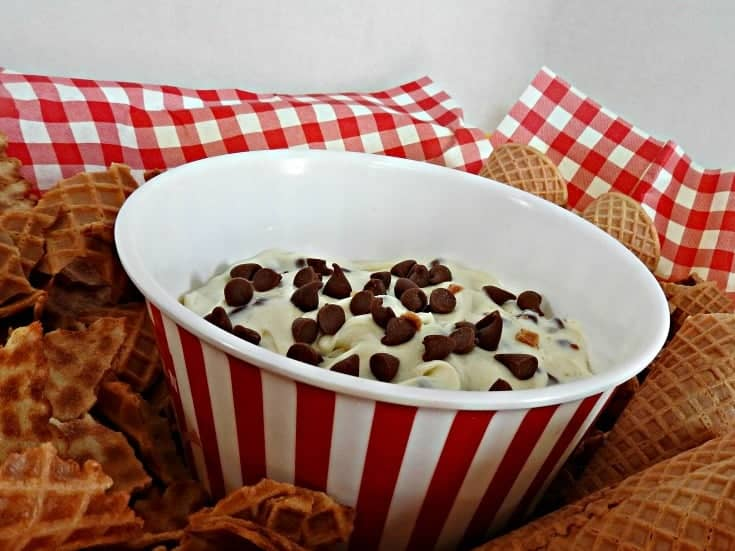 Cottage cheese cannoli dip