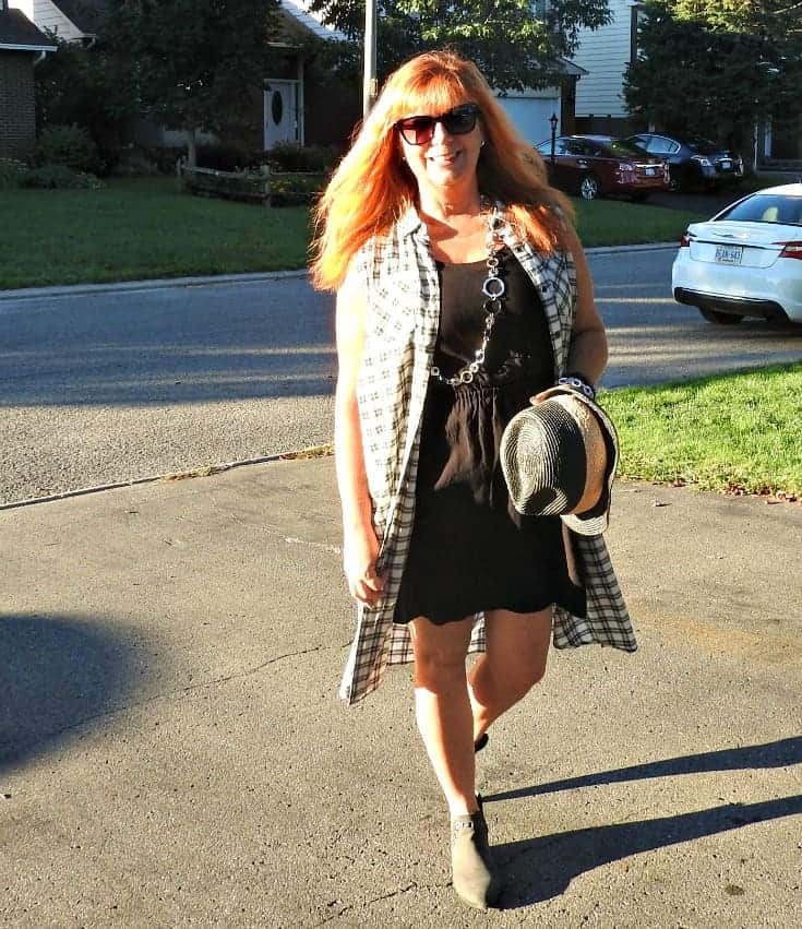 Forever 21 plaid duster and booties with a black fedora and my FYSH Snglasses