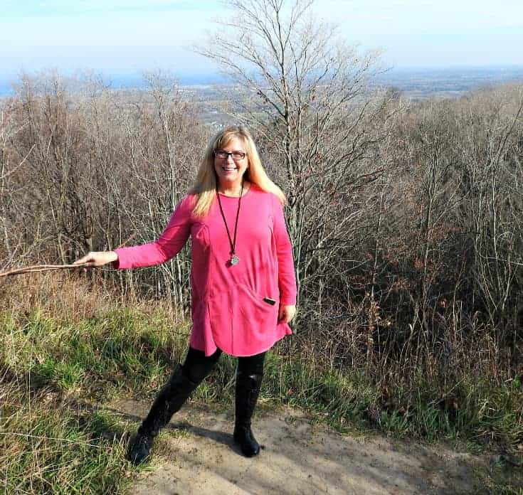 New Chic Fuschia Tunic and leggings with Shoe dazzle OTK boots a Blue Mountain Lookout