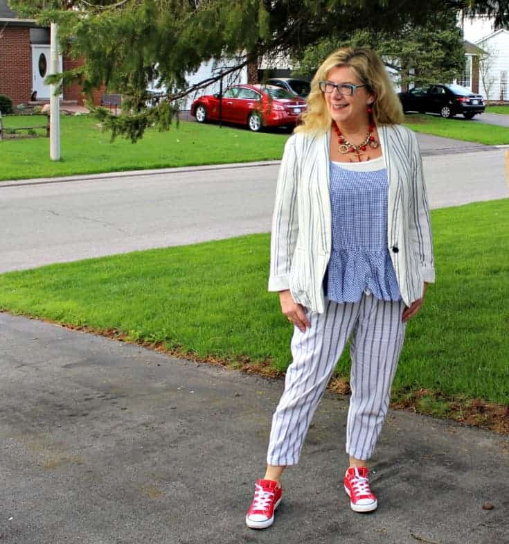 strolling in Old Navy peplum gingham cami with linen stripped pants, blazer and red converse