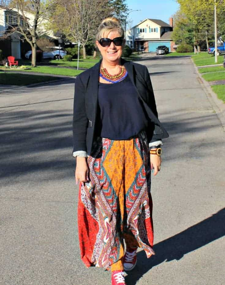 time for a stroll in flowy pants from Forever 21  and red converse
