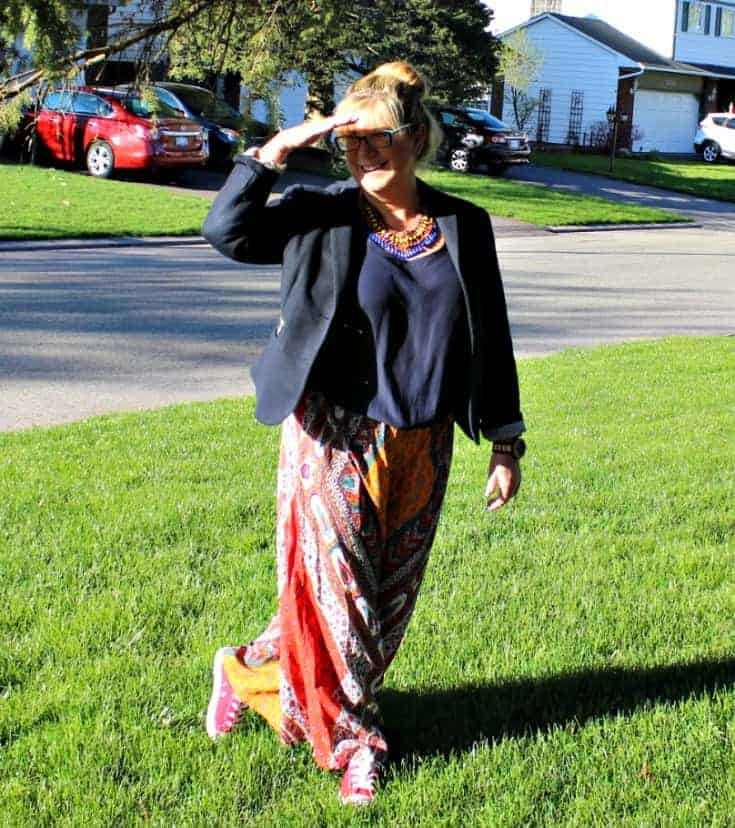 when the sun shines we wear flowy pants from Forever 21  and red converse