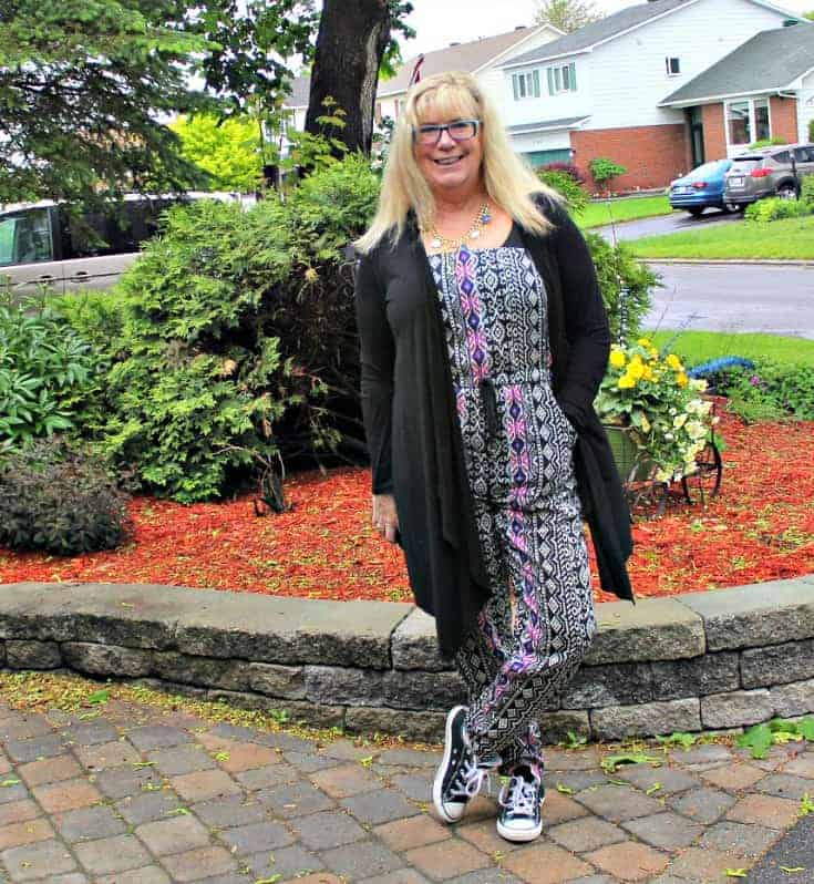 Tribal jumpsuit, lace cardigan and black converse 1