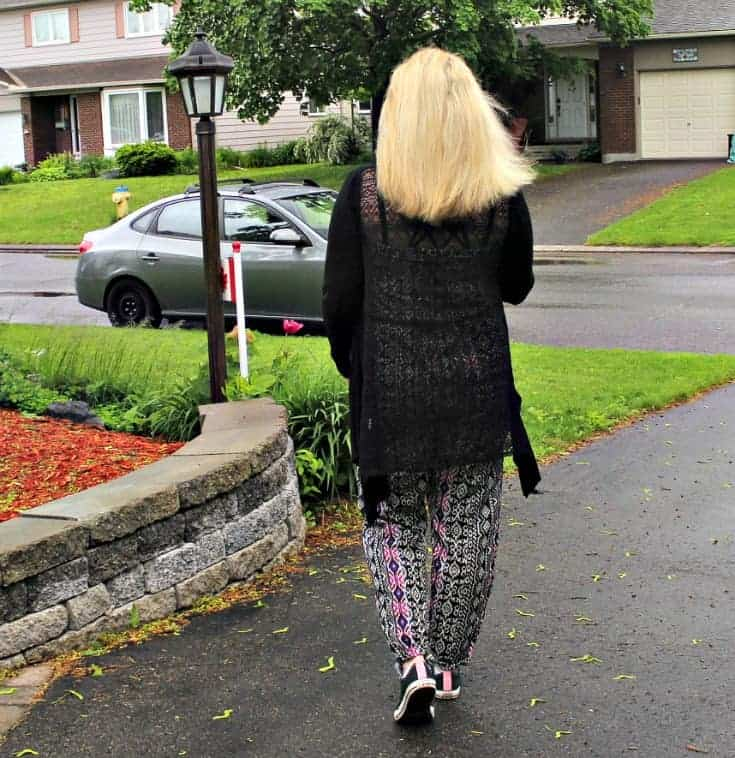 Tribal jumpsuit, lace cardigan and black converse 2