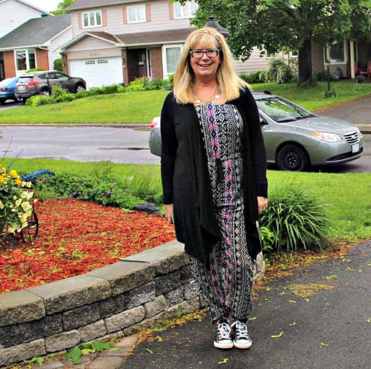 Tribal jumpsuit, lace cardigan and black converse 3