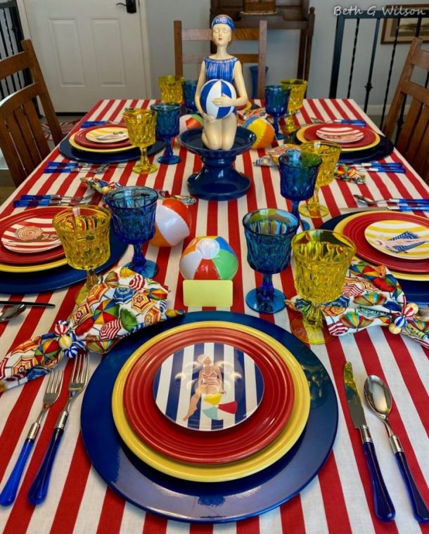 pretty table with beachballs