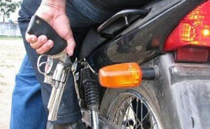 Resultado de imagem para assalto em moto