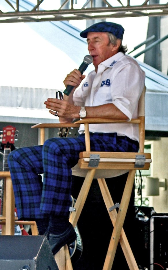 Jackie_Stewart_speaking2005