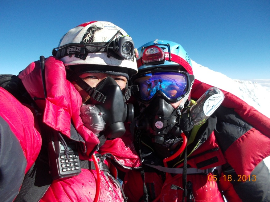 Oxygen on Everest - Reviewing the Options | The Blog on