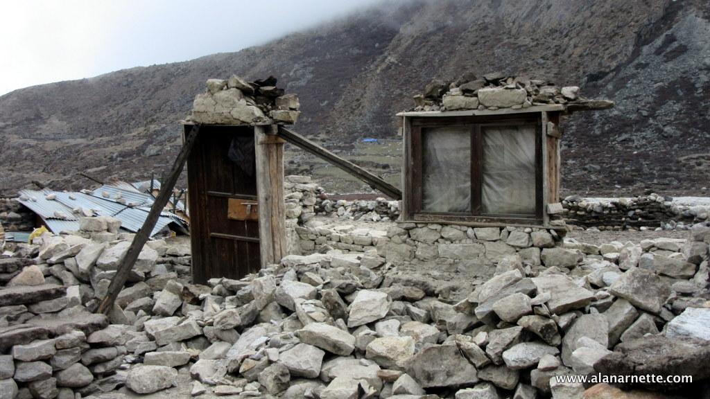 Damage near Periche
