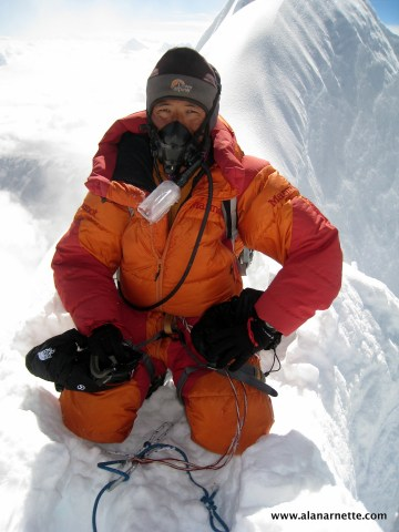 Pasang Ocho Sherpa on Manaslu summit in 2013