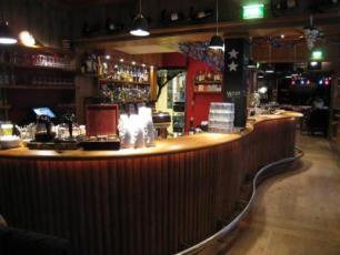 Dinas Bar & Grill
