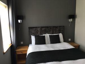 New Inn Bedroom - After