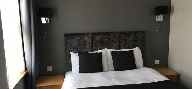 New Inn Bedroom