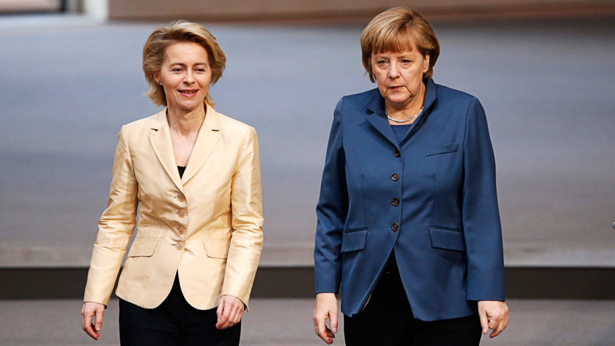 Ursula von der Leyen, Angela Merkel