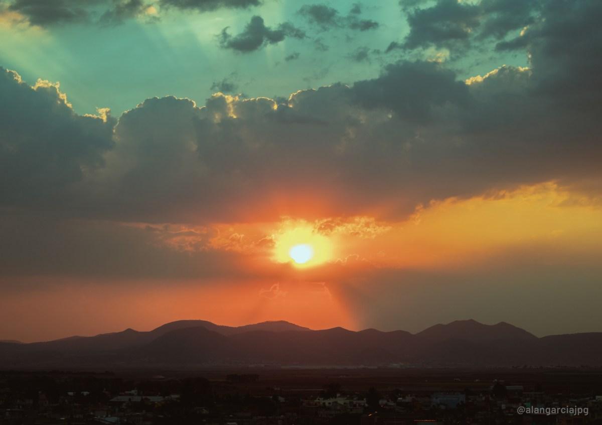 Atardecer visto desde Apan, Hidalgo, México.