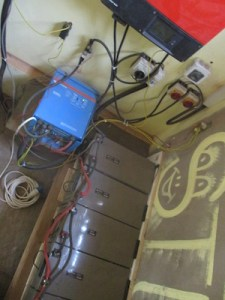 6 solar batteries & latest off-grid system