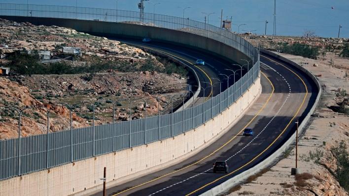 """شارع الطوق""""... أبرتهايد جديد نحو التوسّع الاستيطاني في القدس"""