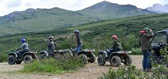 Alaska Family tour of sledders