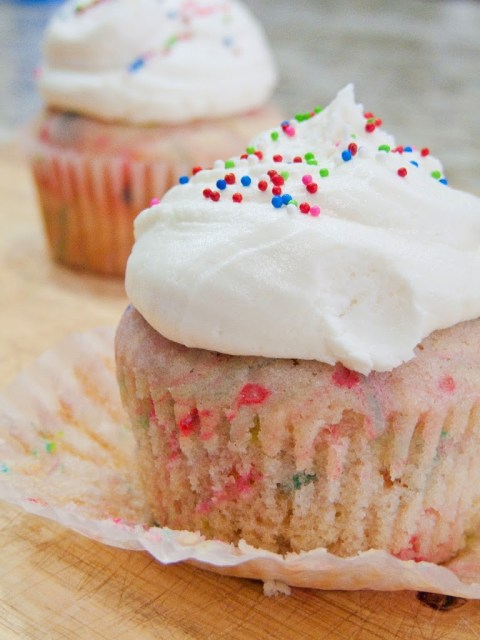 Funfetti Cake Batter Cupcakes: These funfetti cupcakes are perfectly dense yet light, and packed with all that amazing cake batter flavor! Plus, the frosting is to die for!