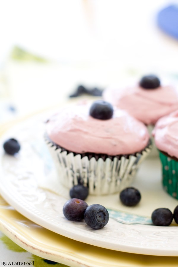 Chocolate Cupcakes with Blueberry Frosting | A Latte Food
