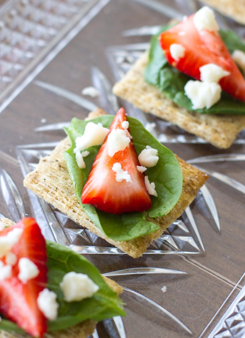Spinach, Strawberry, & Feta Appetizer (SpinachBerryCheeseCuit)