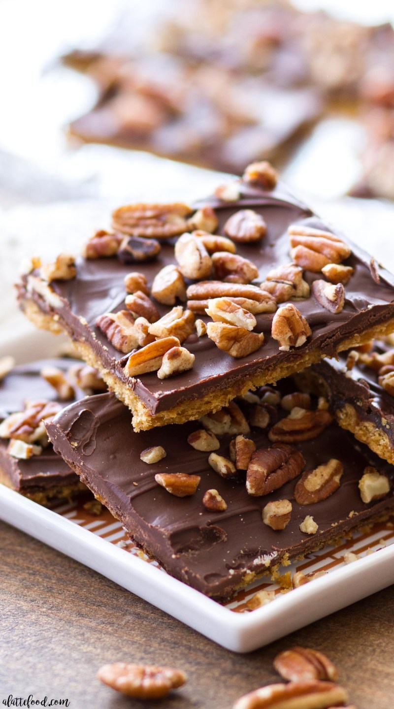 pumpkin spice cracker toffee with pecans