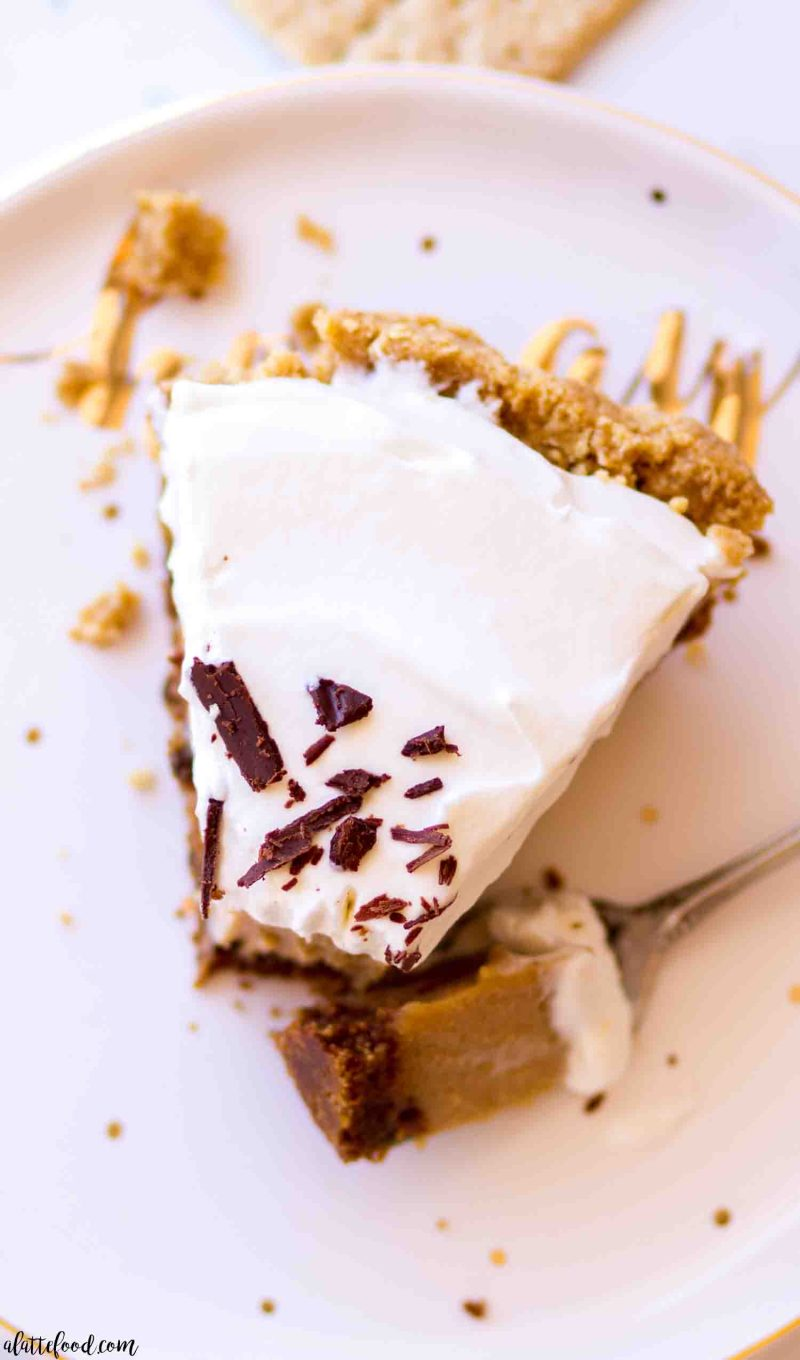 peanut butter pie slice on a white and gold plate