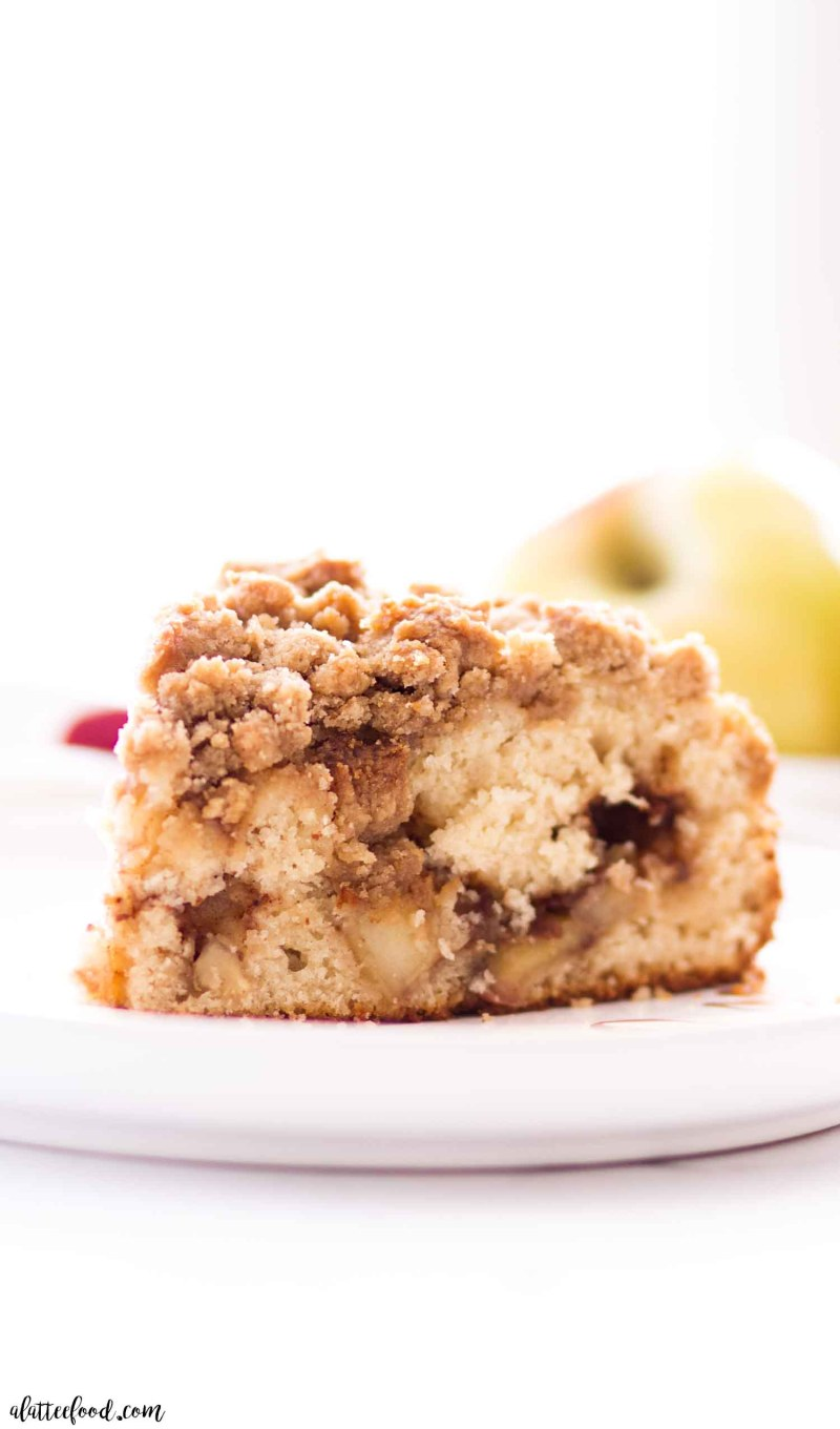 apple cinnamon crumb cake with brown sugar topping