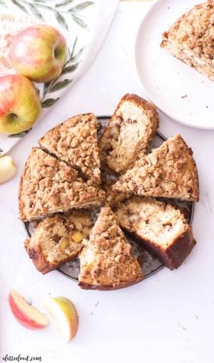 easy apple crumb cake slices