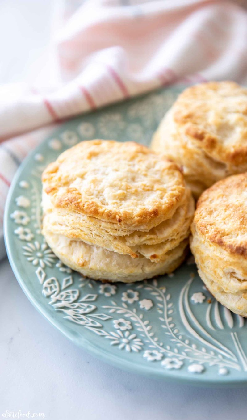 flaky biscuit recipe made with buttermilk