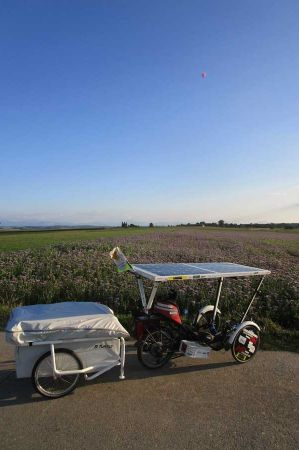 Jean-Yves – Solar Trike and the Mini Caravan – just a try?