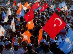 Foreign Policy, The Economist'e cevap olarak AK Partiyi İşaret Etti !