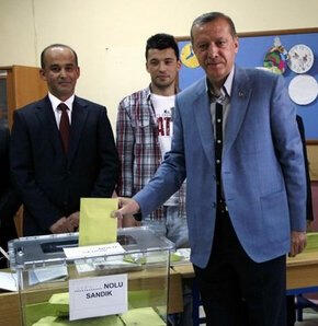 AK Parti üst üste üçüncü kez iktidar oldu