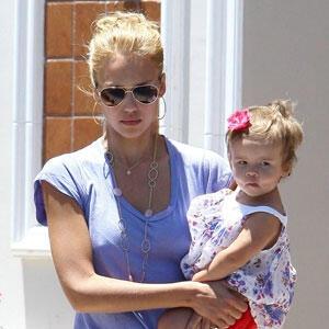 Hollywood'un ünlü anneleri Hamilelik Kiloları İçin Yarışıyorlar