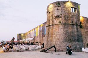 Adriyatik kıyısında bir Ortaçağ kenti Karadağ Budva