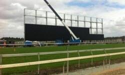 440 metrekarelik dev ekran