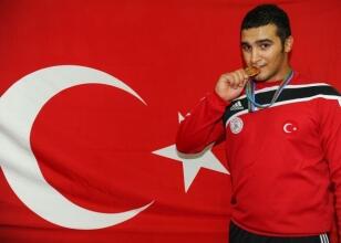 Emre Muyan dünya şampiyonu oldu!