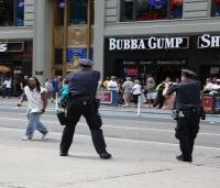 Times Meydanı'nda polis bıçak çeken kişiyi öldürdü