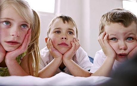 ÇOCUK PSİKOLOJİSİ – Rahat bir nefes mi? Buyrun size televizyon