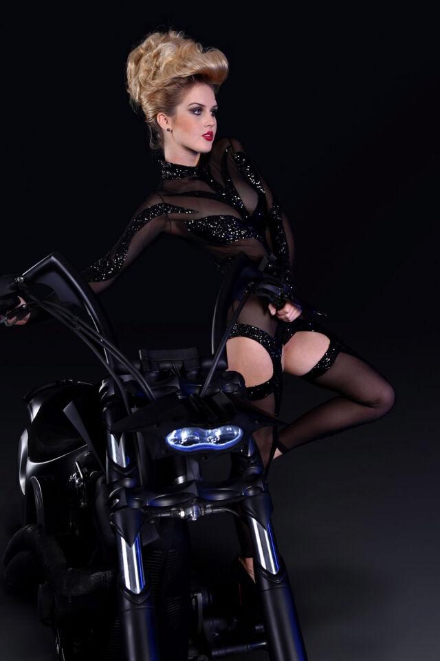 Modaci Ramazo Roma unlu Top Model Nina