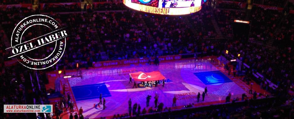 Türk Bayrağı Staples Center'da Dalgalandı