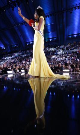 Miss America Nina Davuluri 6