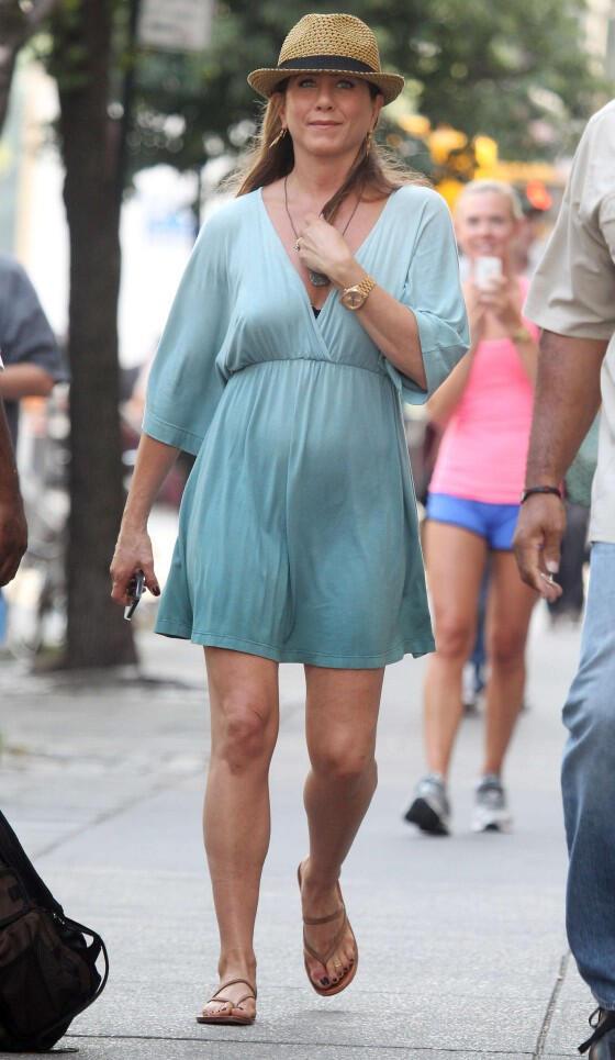 Jennifer Aniston hamile hamile terk edildi