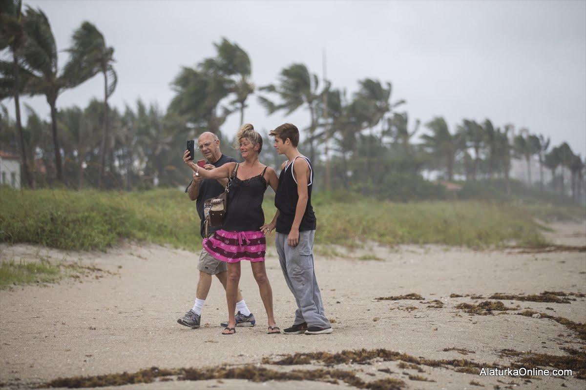 Kasırga nedeniyle 4 eyalette olağanüstü hal ilanı